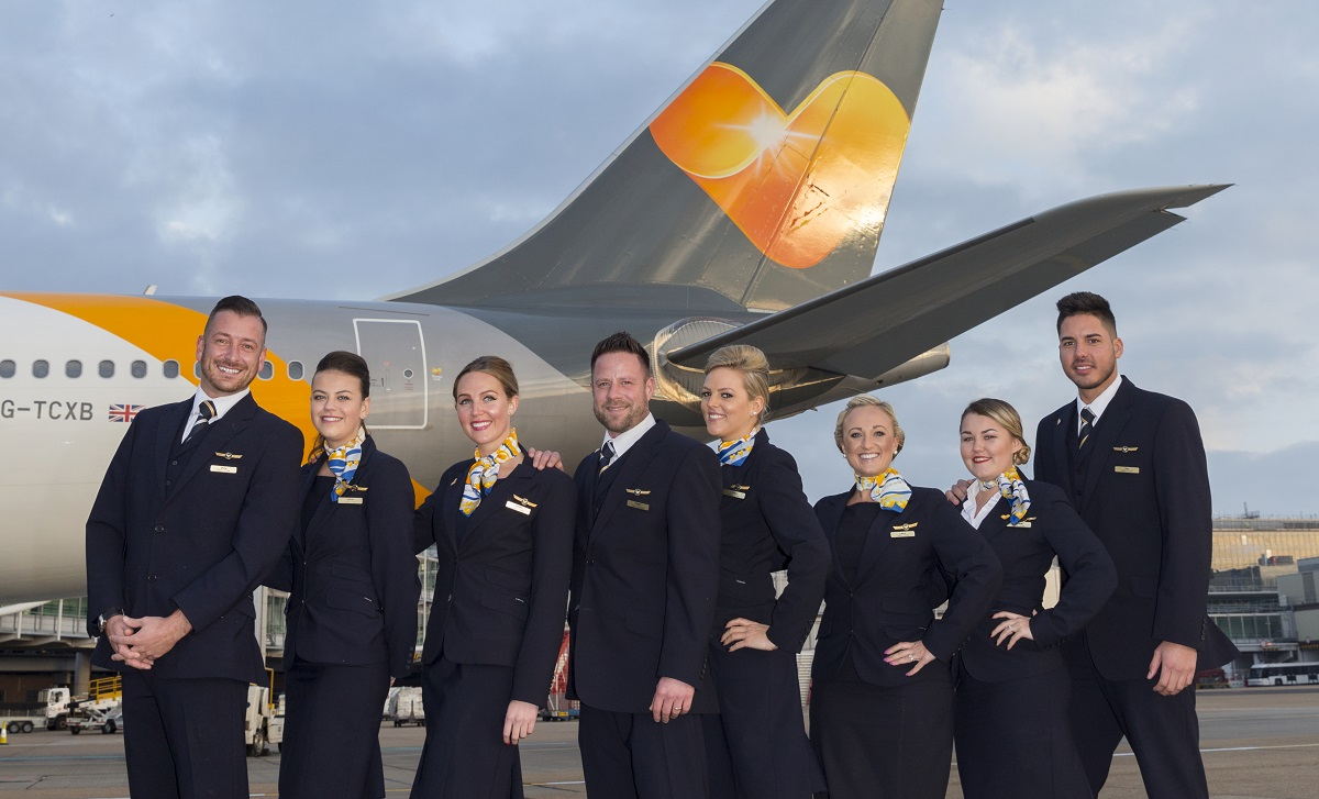 thomas cook airlines recrute des h u00f4tesses de l u0026 39 air et